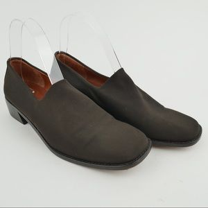 Donald J. Pliner sz 8 brown fabric stretch loafers